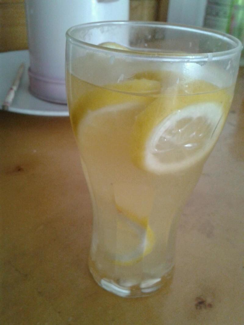 檸檬蜂蜜水的做法_【圖解】檸檬蜂蜜水怎麼做好吃 ...