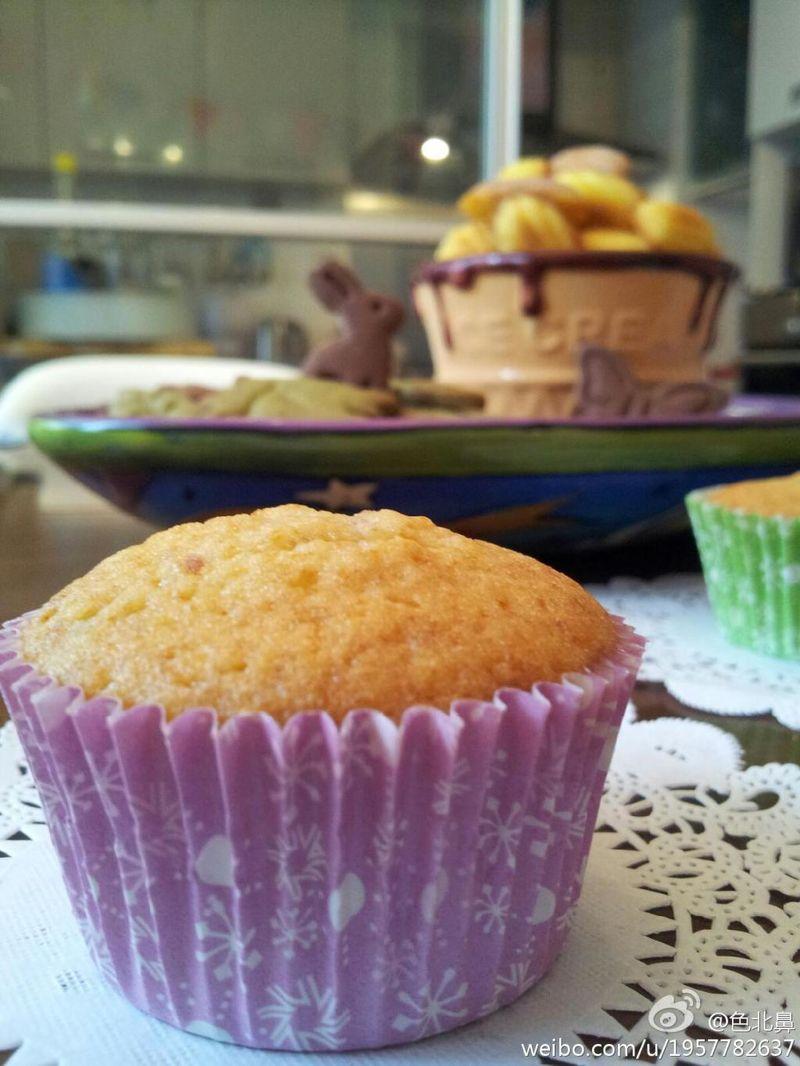 松软绵柔的纸杯蛋糕胚——鲜树莓cupcake