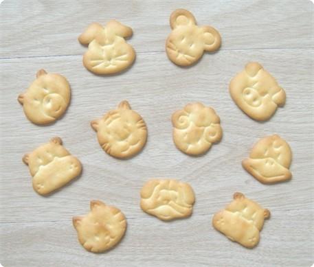 动物造型饼干的做法_【图解】动物造型饼干怎么做
