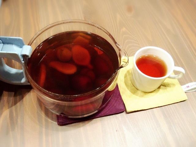 桂圆8个 红糖适量 辅料  纯水适量 红枣桂圆姜汤茶的做法步骤