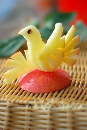 苹果鸟的做法——水果拼盘图片