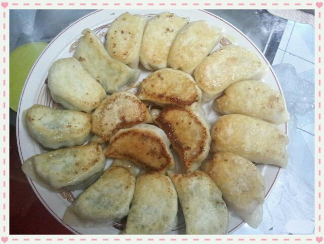 南瓜馅锅贴饺子的做法_【图解】南瓜馅锅贴饺子怎么做