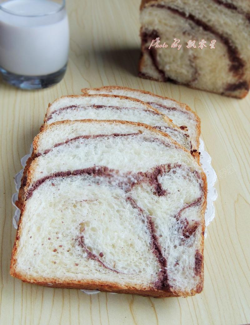 豆沙海蒂面包,皮暄软馅香甜,胖乎乎的超可爱