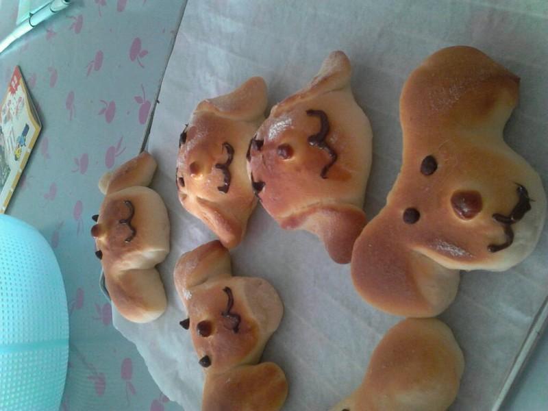 可爱狗狗面包的做法_【图解】可爱狗狗面包怎么做