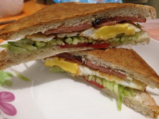 鸡蛋火腿三明治的做法_【图解】鸡蛋火腿三明治怎么做