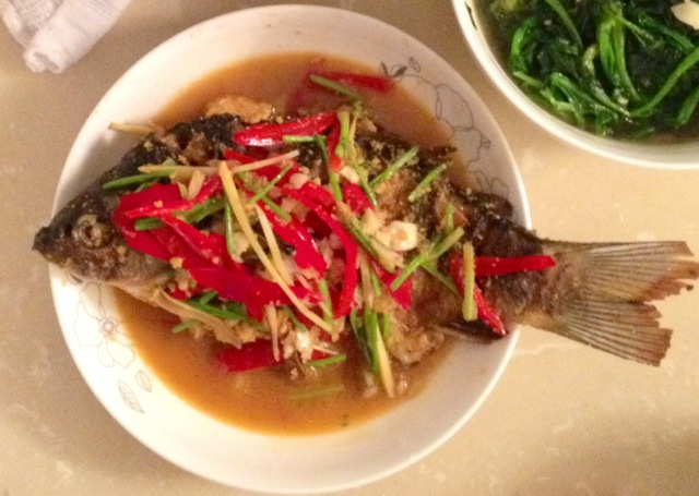 红烧鲫鱼的做法_【图解】红烧鲫鱼怎么做好吃_恩冬