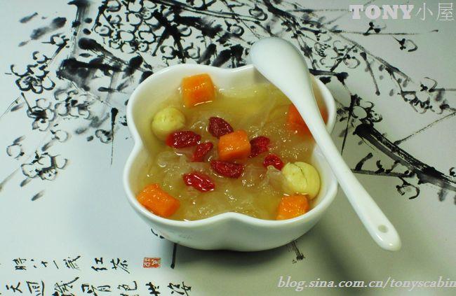 银耳莲子汤的做法 银耳莲子汤怎么做好吃 Tony小屋 家常做法大全