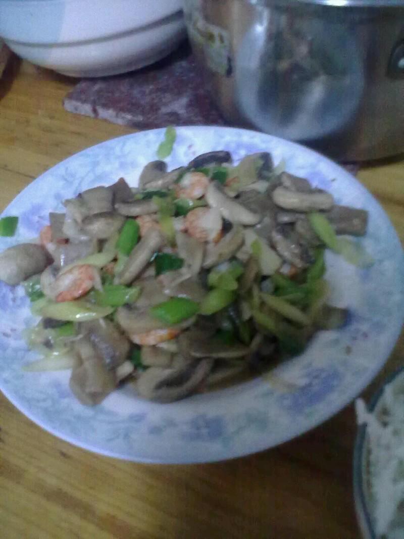清炒蘑菇虾仁的做法步骤