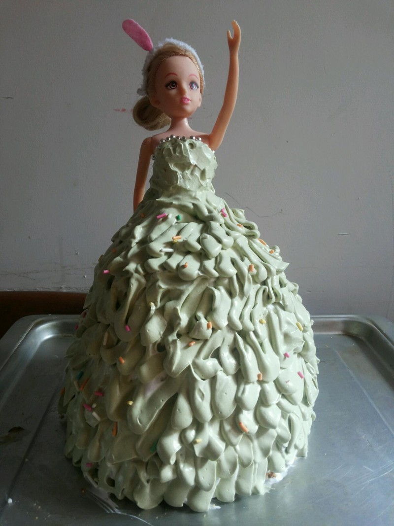 银珠糖15粒 彩针糖若干 糖30g 芭比公主生日蛋糕的做法步骤 保存到