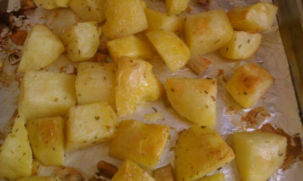 蒜香烤土豆的做法_【图解】蒜香烤土豆怎么做好吃_9