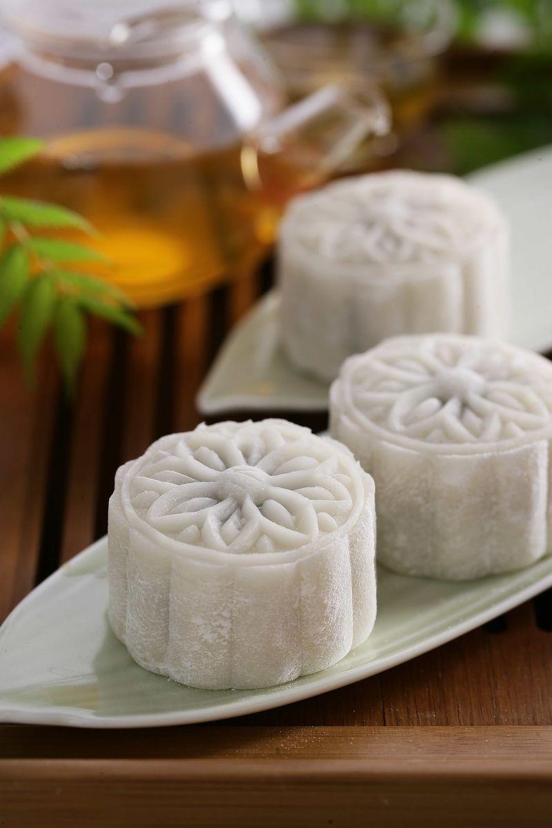 肉末烧豆腐 芒果西米露 紫薯冰皮月饼 玫瑰花米藕 自制健康凉皮 绿茶