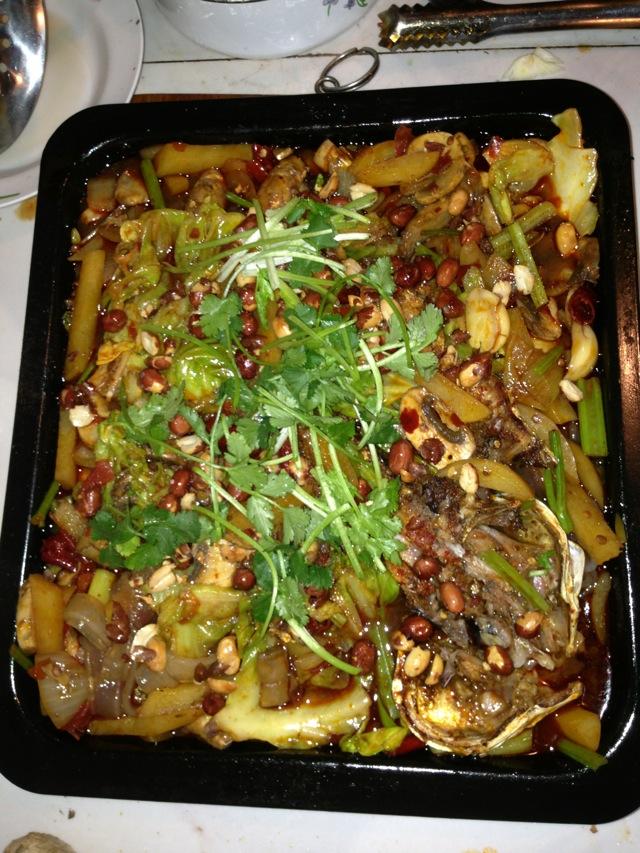 2. 利用烤鱼得时间准备其他材料、口蘑切片飞水、土豆切条飞水、粉条飞水、包菜飞水、芹菜飞水、然后准备炒料,洋葱切块,葱段,姜片、蒜瓣、红椒剪段、烧油炸花生米、乘出。留少许油放葱姜蒜、干辣椒、四川豆瓣酱、酸汤鱼料、太阳岛豆瓣酱、糖少许、炒香放一碗水、放少许八角,香叶,桂皮,花椒!煮开放入青菜,取出烤好的鱼浇在上面撒花生米和香菜!放入烤箱回烤三分钟!香喷喷的烤鱼就做好啦!!还有我是做韩国代购的哦!有需要的美女们可以加我微信278734349!