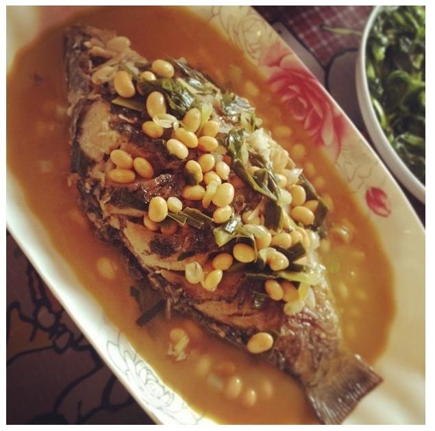 黄豆鲫鱼的做法
