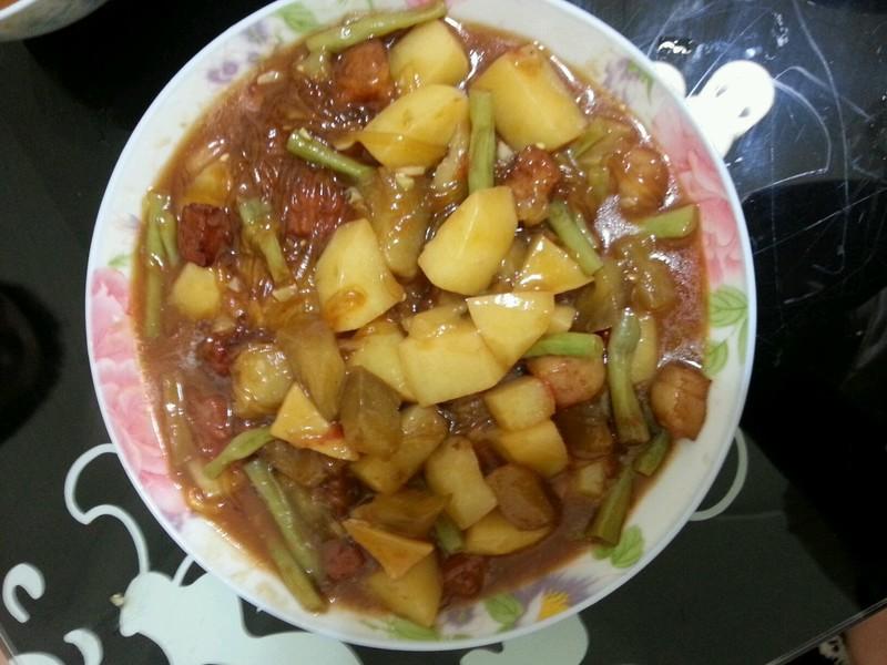 家常奶黄包 圆白菜炒粉条 猪肉圆白菜包子 豆角焖面 杏鲍菇馅儿锅贴
