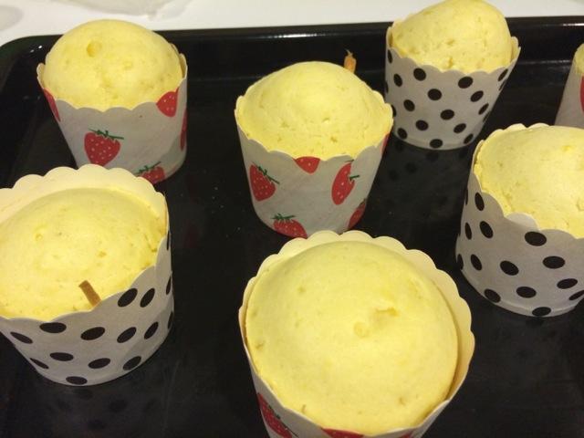 酸奶纸杯蛋糕的做法步骤