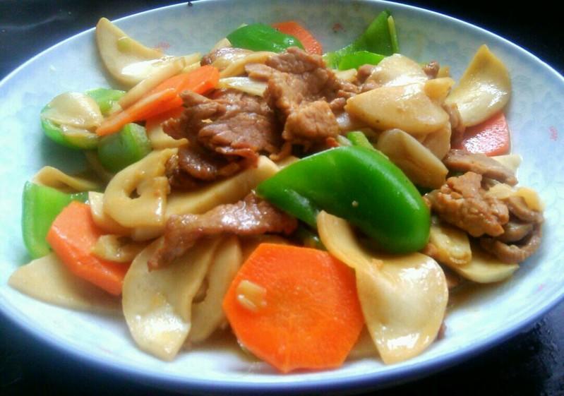 杏鲍菇青椒炒肉片