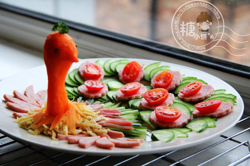 水果拼盘 凉拌海带丝 水果沙拉 创意水果拼盘 秘制红烧鸡爪 孔雀开屏