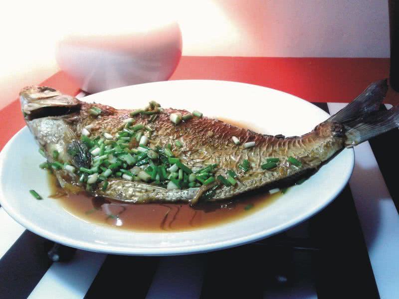 家常红烧鳊鱼的做法步骤