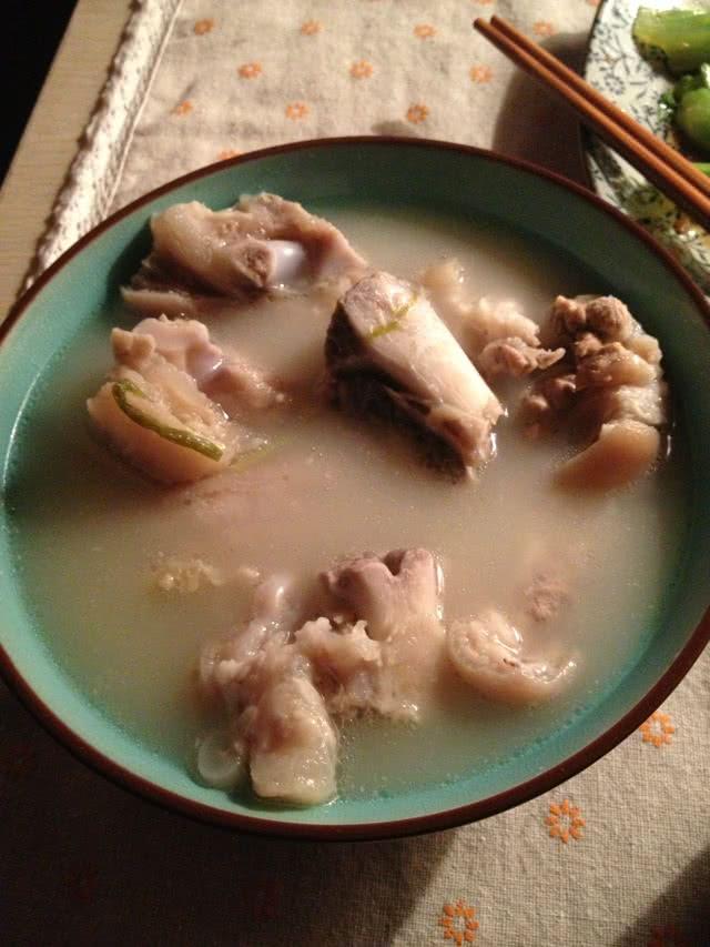 美白 黄豆 猪脚 养颜/黄豆猪脚养颜美白汤