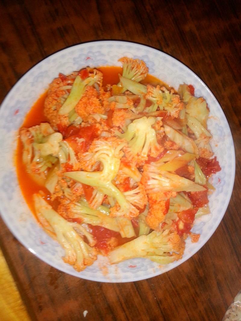 5克 西红柿炒菜花的做法步骤 1.