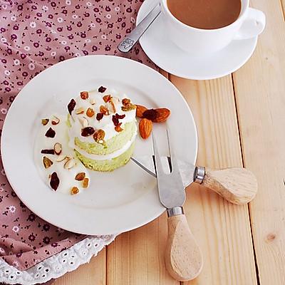 现在总觉得烤一盘蛋糕其实已经是一件比较简单容易的