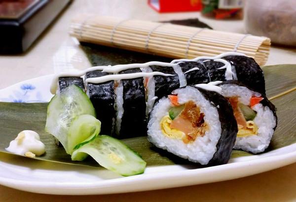 简单美味寿司的做法_【图解】简单美味寿司怎么做好吃