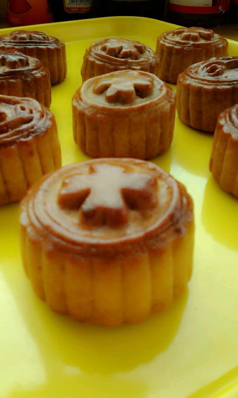 中式肉松蛋黄月饼的做法步骤