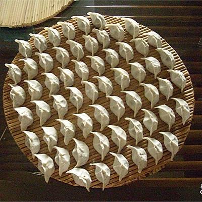 墨鱼饺子的做法_【图解】墨鱼饺子怎么做好吃