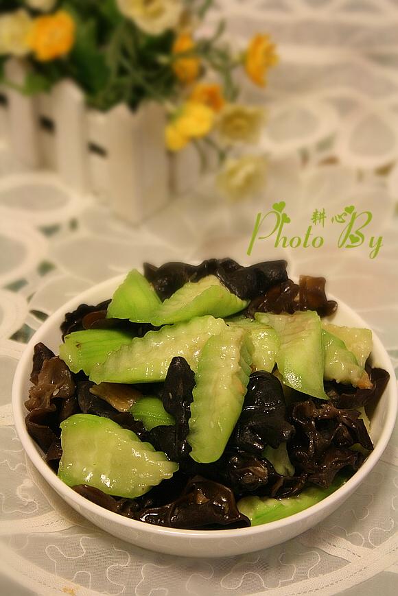 冬菜丝瓜炒木耳的做法 冬菜丝瓜炒木耳怎么做好吃 耕心 家常做法大全