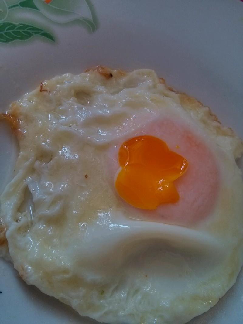水晶煎蛋的做法_【图解】水晶煎蛋怎么做好吃_小句点