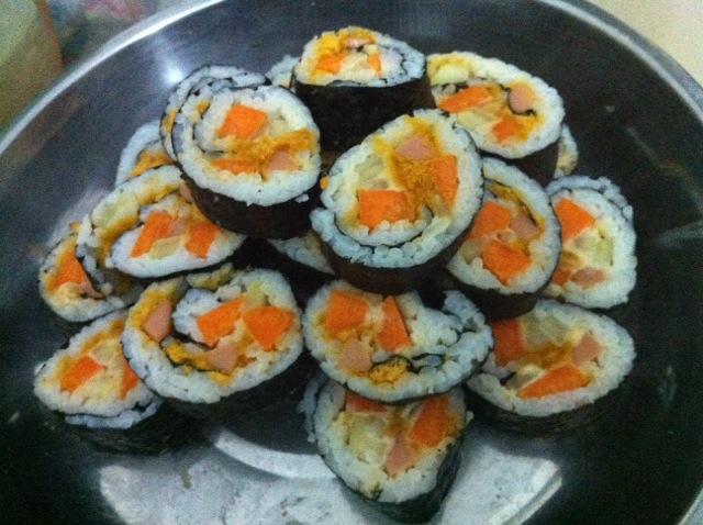 寿司的做法_【图解】寿司怎么做好吃_邓mr_家常做法