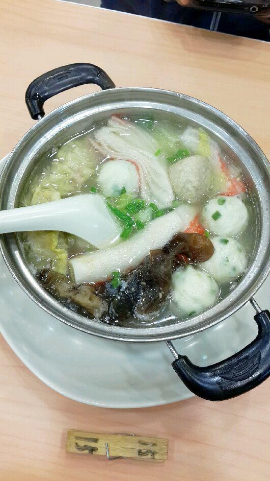 砂锅菌菇三鲜