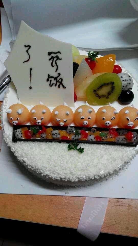 可爱的小猪蛋糕